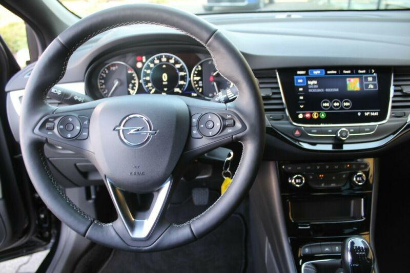 Opel Astra Innenraum