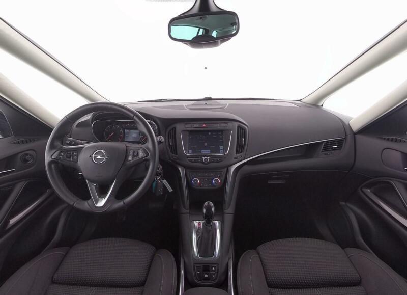 Opel Zafira innenraum